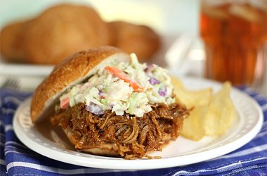 pulled-pork-sandwiches-with-apricot-bourbon-barbecue-saue-and-coleslaw-creative-culinary_380